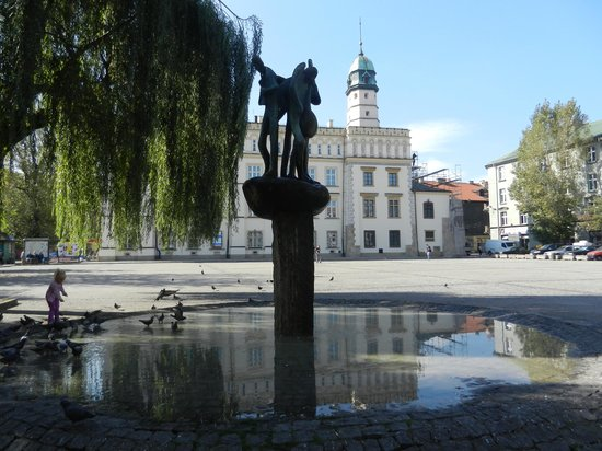 Jewish District (Kazimierz): Square behind the Ethnographic Museum