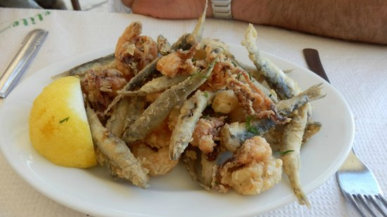 Nikolas Traditional Taverna: sea food mezze