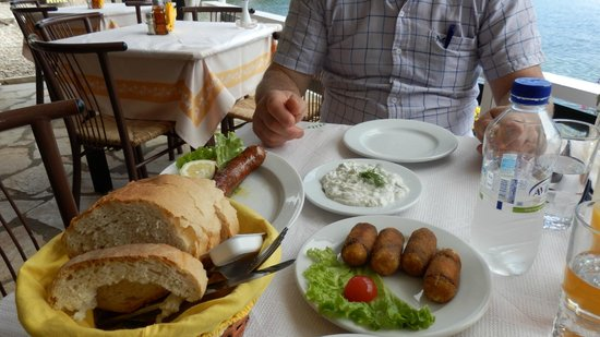 Nikolas Traditional Taverna: Great starters