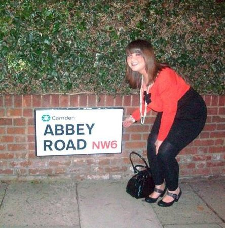 Abbey Road: abbey rd sign