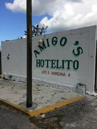 Amigo's Bed & Breakfast Bacalar: Frente del hotelito