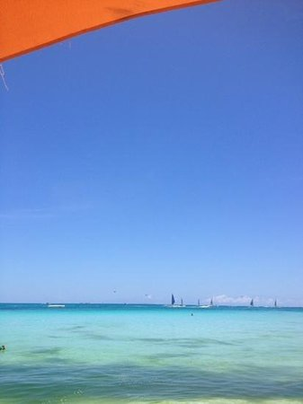 Boracay Mandarin Island Hotel: hotel beach