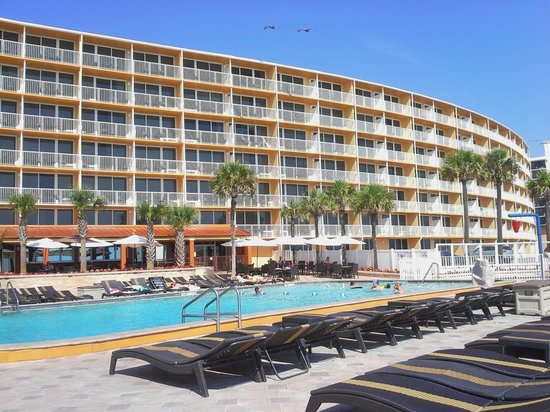 Holiday Inn Resort Daytona Beach Oceanfront : Pool Deck - my favorite area