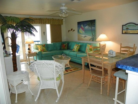 Grand Caribbean at Dune Crest: Living Area