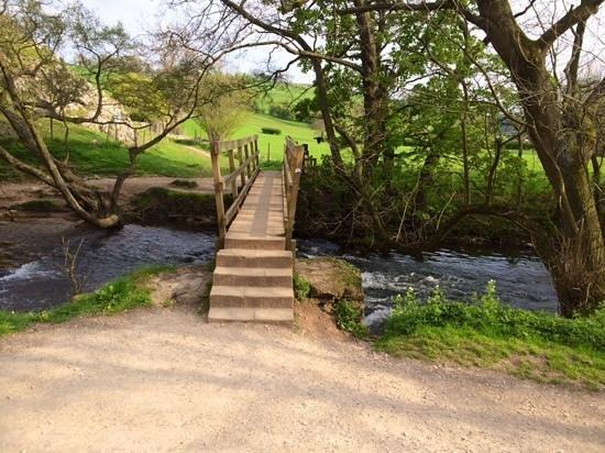 Dovedale: the bridge across the stream...