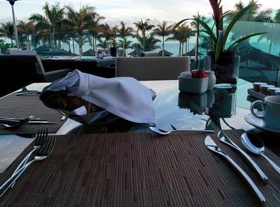 RedLevel at Gran Meliá Palacio de Isora: Aussicht beim Frühstück