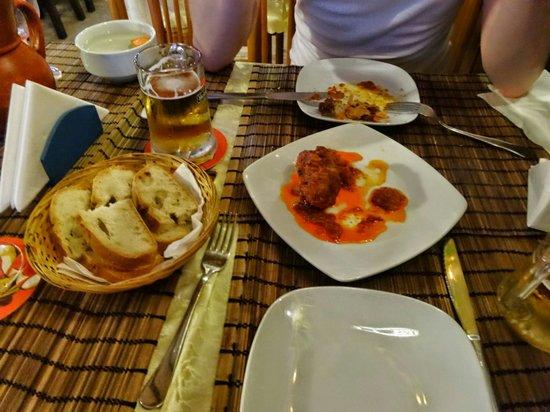 El Rincon Canario: Eat