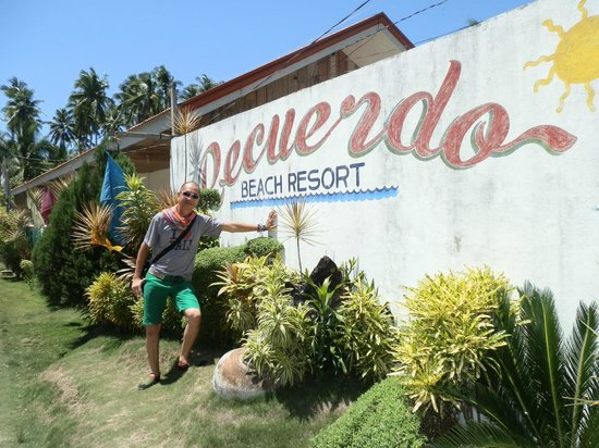 Recuerdo Beach Resort: The Entrance