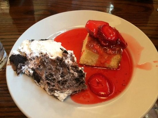 Ernie's Restaurant: Good Desserts on The Buffet