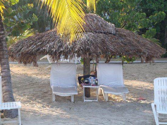 Couples Swept Away : great beach spot