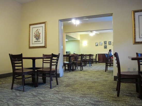 Governors Inn Hotel: the breakfast room