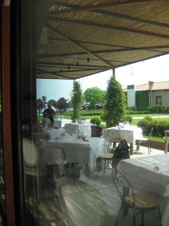 Relais Sant'Emiliano - Conference & Leisure: Ottimo il ristorante(osteria di lusso e qualita' )a fianco