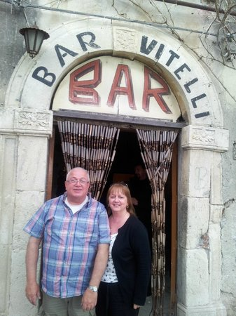 Taxi Taormina Romano Day Tours: Bar Vitelli in Savoca