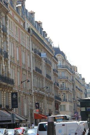 Hôtel Chateau Frontenac: Excelente ocalizacao - pertinho da Champs Elysees
