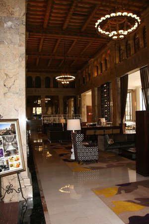 Courtyard by Marriott San Diego Downtown: Lobby