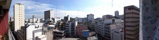 Casa de Romero : Vista desde el balcon del hotel!