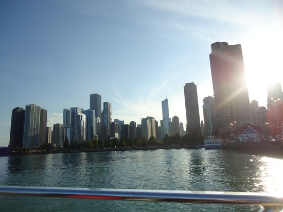 Chicago's First Lady Cruises: Skyline