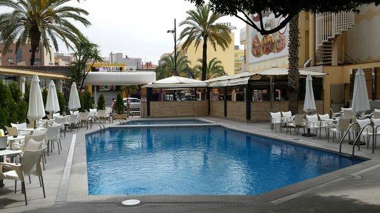 Gran Hotel Flamingo: Muy bonita la entrada