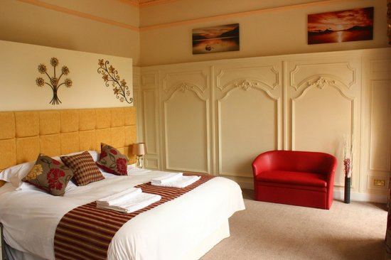 81 The Prom: Executive Balcony Room en suite located 1st floor