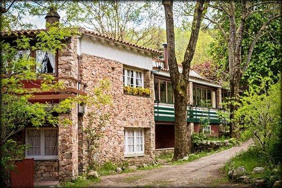 jardins fotograf a de avet blau hostal restaurant fogars