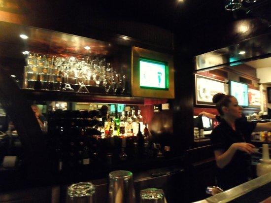 Hard Rock Cafe Amsterdam: Lively Hard Rock Bar