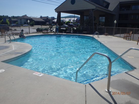 Comfort Inn & Suites at Dollywood Lane : pool