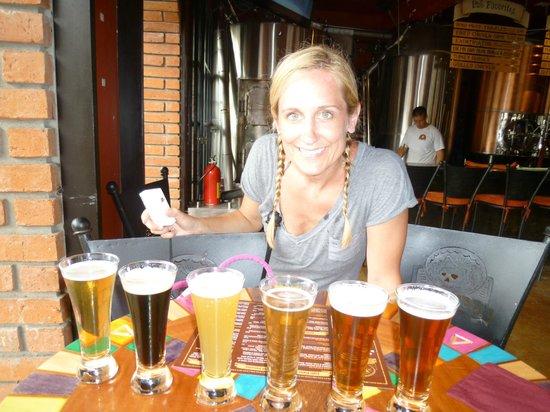 Los Muertos Brewing: Beer sampler!