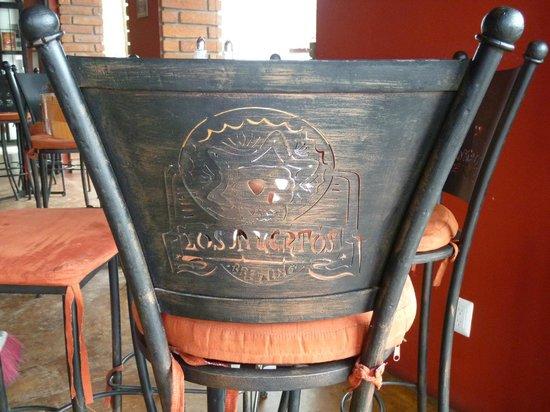 Los Muertos Brewing: Logo