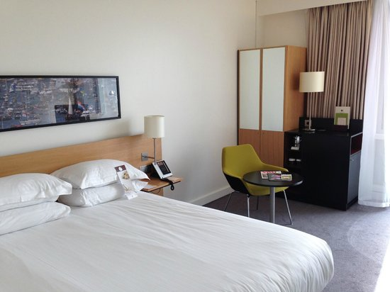 DoubleTree by Hilton Hotel Amsterdam Centraal Station: Interno camera
