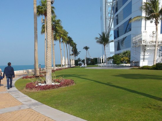 Burj Al Arab Jumeirah : grounds