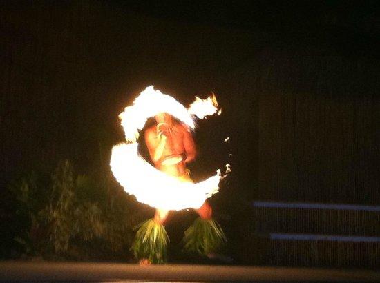 Royal Lahaina Luau: Fiery finale