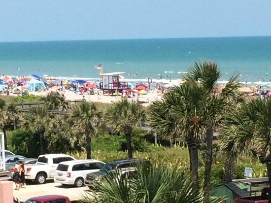 Inn at Cocoa Beach: Beach as seen from the room