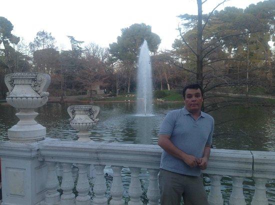 Palacio De Cristal: lago