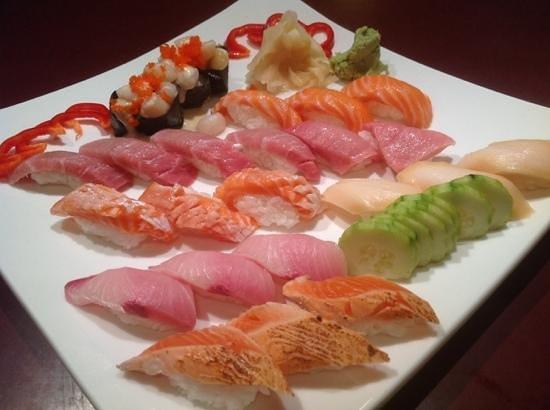 Nagashima: Omakse Sushi Moriawase!