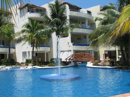 El Dorado Maroma, a Beachfront Resort, by Karisma: Our room was on the top floor.