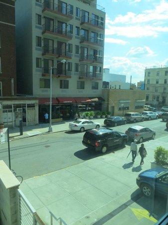 Holiday Inn L.I. City - Manhattan View: Vista da janela do quarto 203.