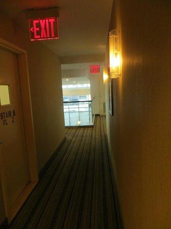 Holiday Inn L.I. City - Manhattan View: Corredor do andar 2.