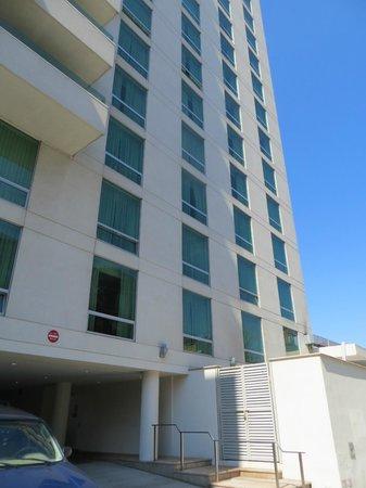 Holiday Inn L.I. City - Manhattan View: Fachada lateral.