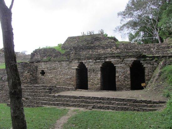 Tonina : Entrance to the underworld- entrada al inframundo