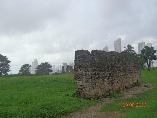 Panama La Vieja: Parte de la muralla