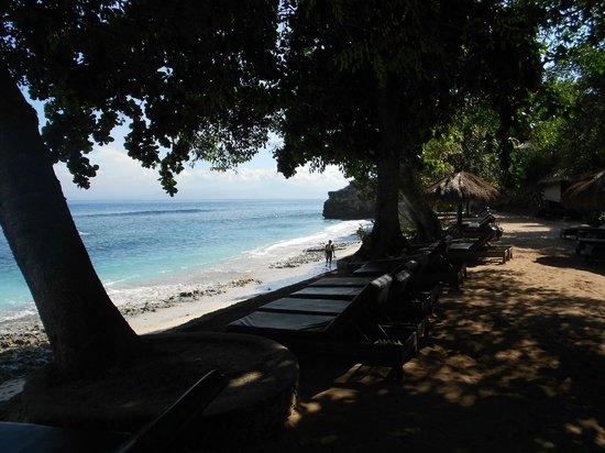 Hai Tide Beach Resort: more of the view