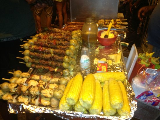 Iglesia de la Trinidad : Food from a food cart.