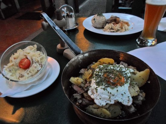 Stieglkeller: Classic beer house grub
