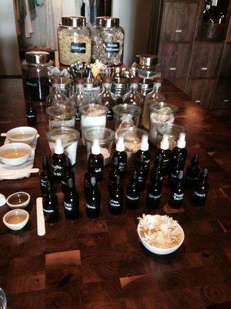 Andaz Maui At Wailea: Massage oils that you can make yourself for an extra $25