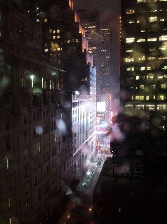 Hotel Carter : Visão noturna do quarto.