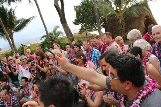 Old Lahaina Luau: Photographing the pig