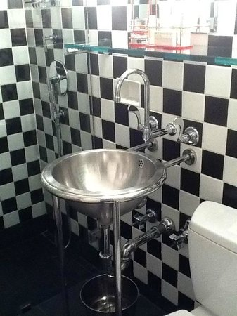 Morgans New York Hotel: Bathroom at Morgans Hotel
