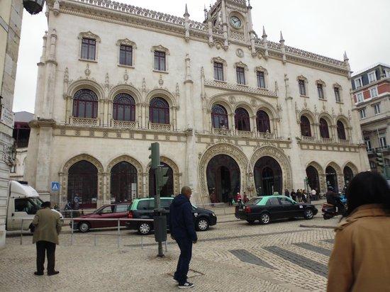 Rossio Train Station: fachada da estação do Rossio