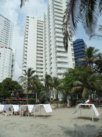 Decameron Cartagena : vista del hotel desde la playa