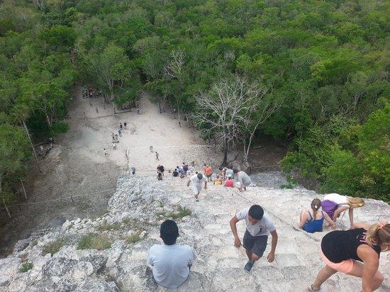 Ruinas de Coba: A look back down the Pyramid